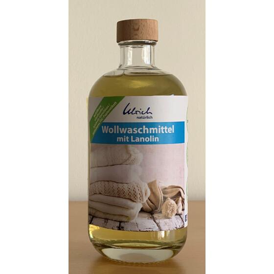 """""""Ulrich Natürlich"""" Waschmittel jetzt Glasflasche (Bildquelle: Ulrich Natürlich I https://www.nowastewrapping.de/Ulrich-Natuerlich-Wollwaschmittel-mit-Lanolin-500ml-Glasflasche)"""